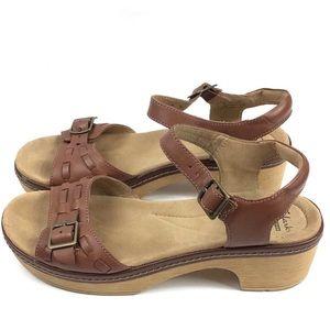 Clarks Soft Cushion Ankle Buckle Heel Sandals 10M